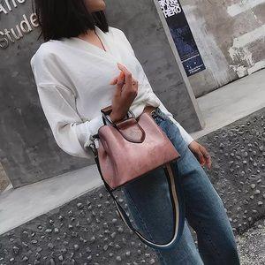 Double strap crossbody purse
